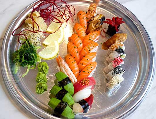 64.familje-sushi-25-bitar-web